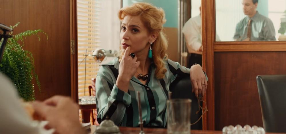 Thereza, uma das protagonistas de Coisa Mais Linda, interpretada por Mel Lisboa.